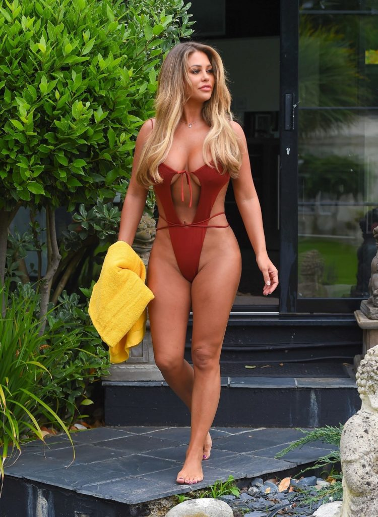 Bianca Gascoigne in a Swimsuit December 2019