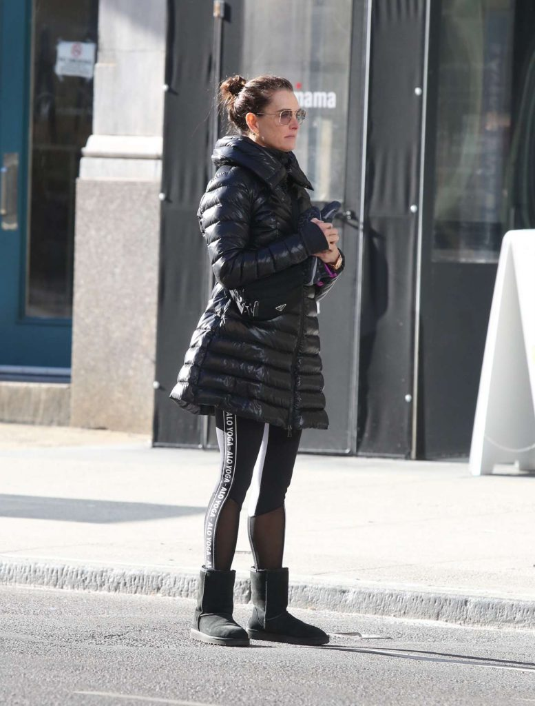 Leaving a gym in NYC: Brooke Shields and daughter Rowan Henchy