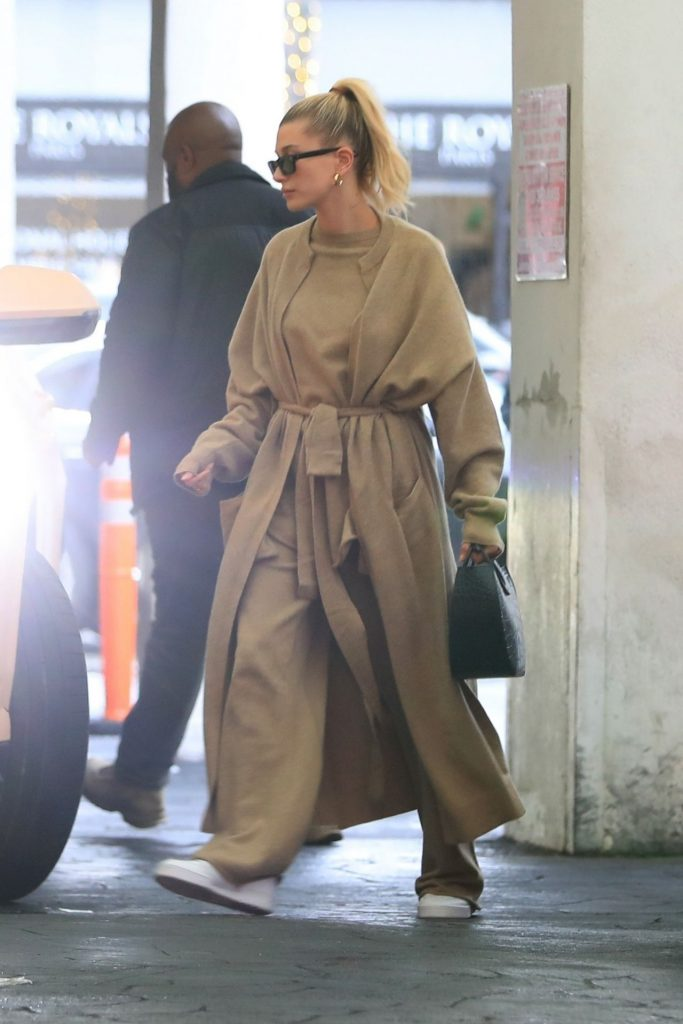 Hailey Rhode Bieber – Out in Los Angeles 06-12-2019