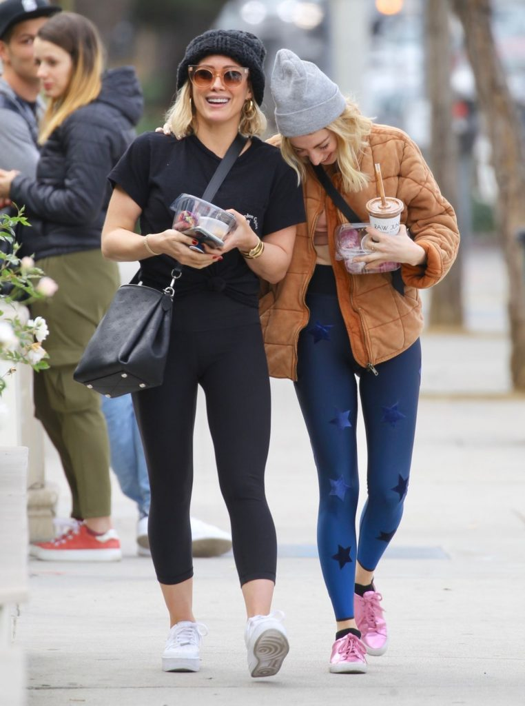Hilary Duff in Leggings – Sweetgreens in Studio City 10 Photos