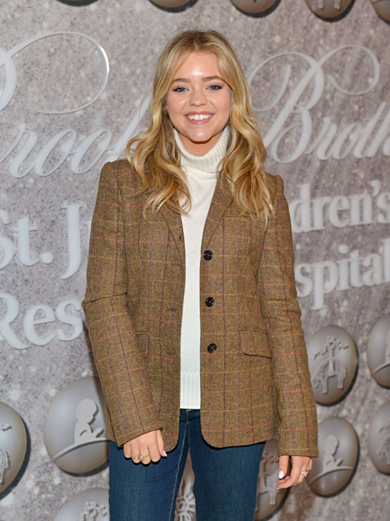 Jade Pettyjohn – Brooks Brothers Host Annual Holiday Celebration in West Hollywood 12-07-2019