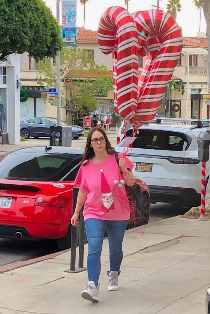 Purchasing Candy Cane Balloons in Santa Monica: Jennifer Love Hewitt