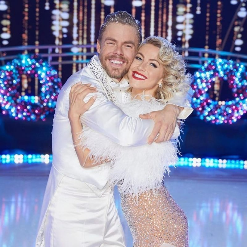 Julianne Hough – Holidays with the Hough's Dec 2019