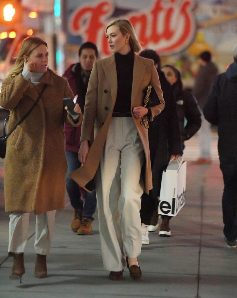 Karlie Kloss – Out in New York City December 2019