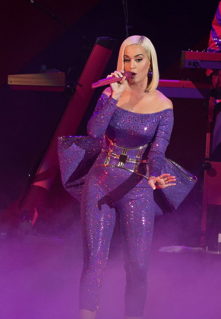 Katy Perry – B96 Jingle Bash in Chicago 12-07-2019