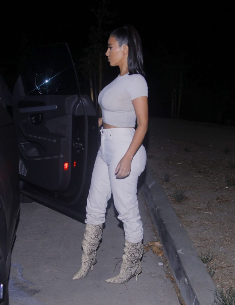 Kim Kardashian – Heading Out For Dinner in Los Angeles 12-04-2019