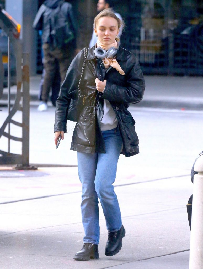 Lily-Rose Depp – JFK Airport in New York City 12-06-2019