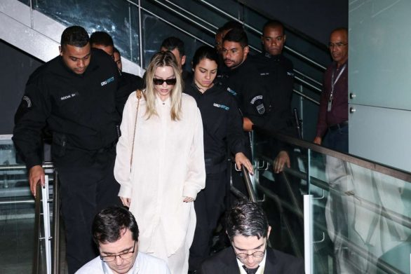 Margot Robbie – Arrives to the airport in Sao Paulo