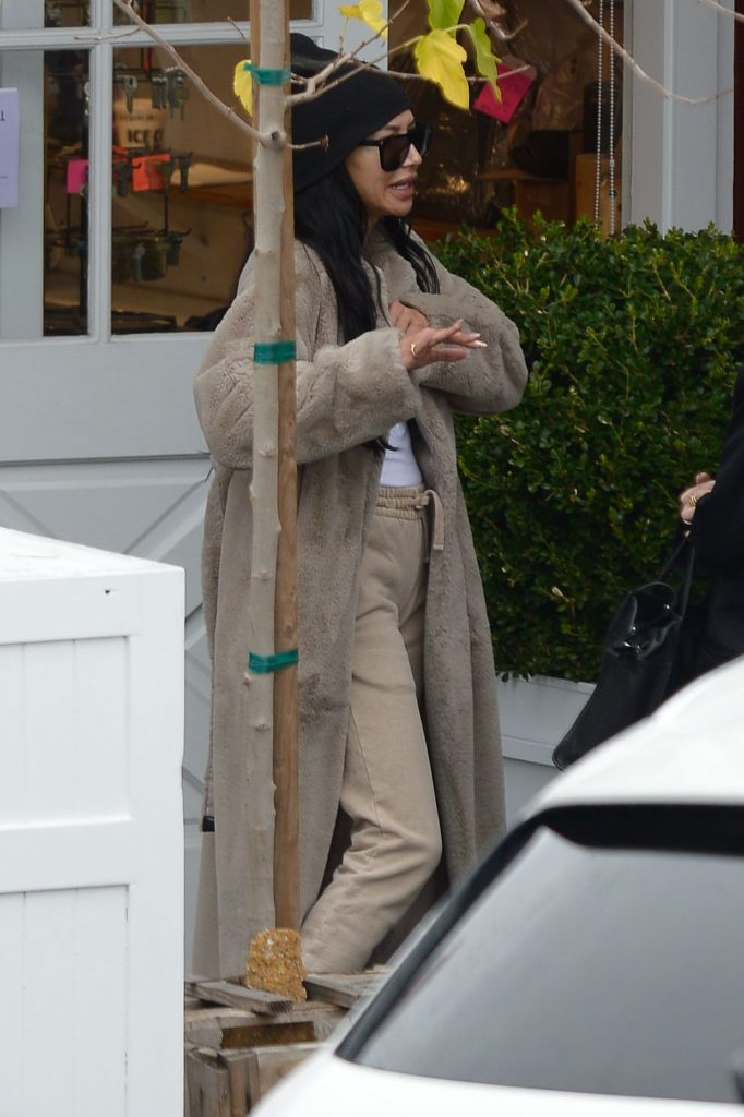 Naya Rivera – Out in Malibu 12-08-2019
