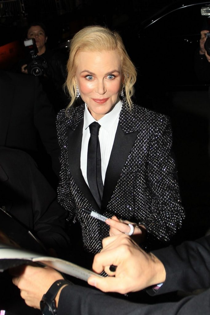 Nicole Kidman – Greets Fans at the Bombshell Premiere in Westwood 2019