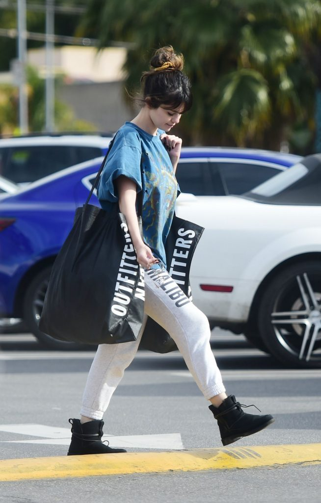 Shopping at Urban Outfitters in Los Angeles: Selena Gomez 2019