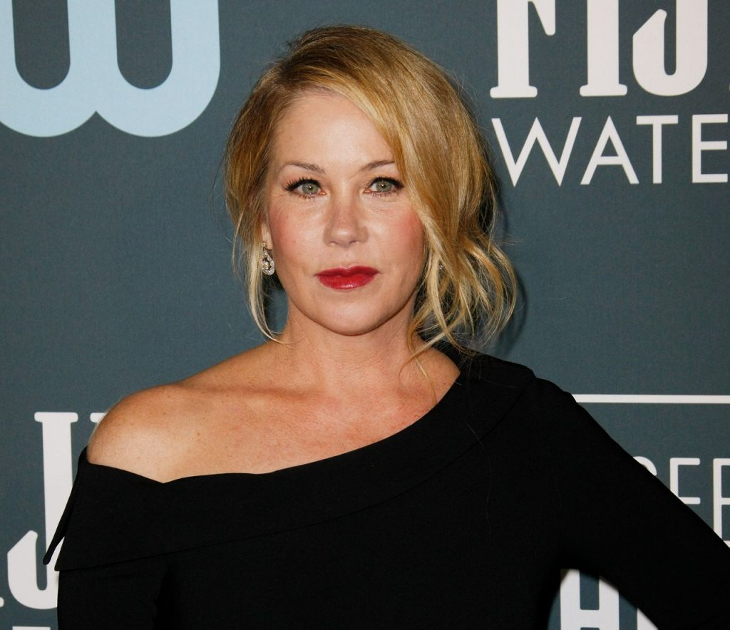 Critics' Choice Awards 2020: Christina Applegate (4 Photos)