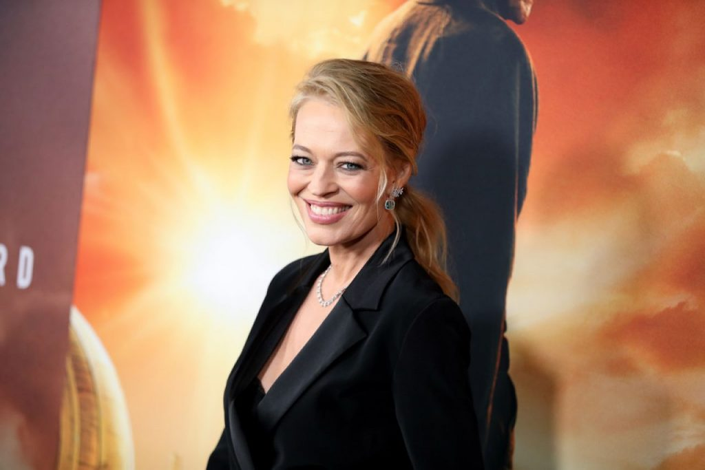 Jeri Ryan – Star Trek Picard Premiere in Hollywood (4 Photos)
