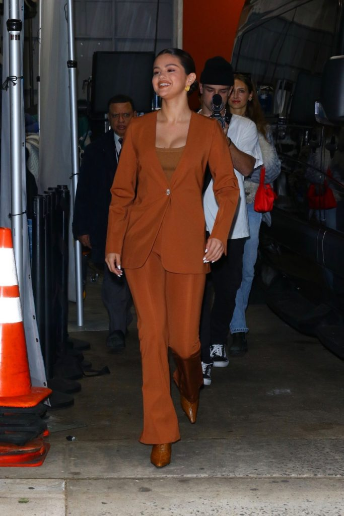 Selena Gomez – Leaves 'Live With Kelly and Ryan' in NYC January 2020