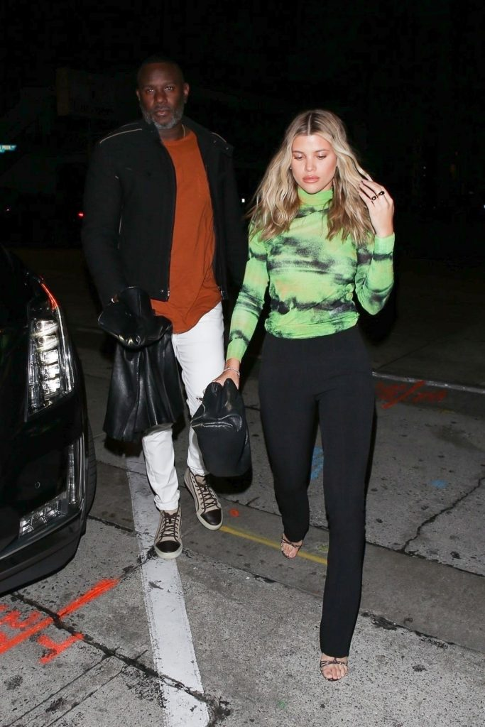 Sofia Richie – Outside Restaurant in West Hollywood January 2020 (10 Photos)