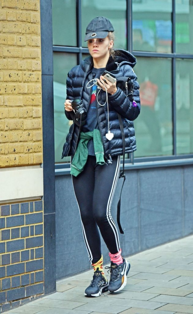 Suki Waterhouse in Spandex: Out in London 2019 (9 Photos)
