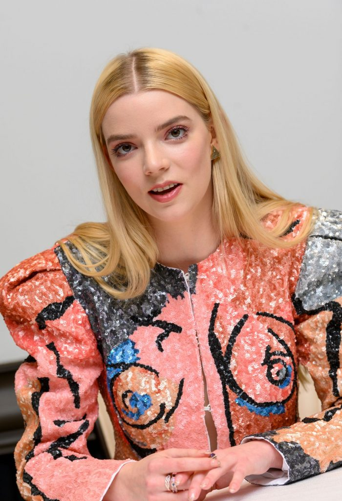 Emma. Photocall at The Four Seasons Hotel in Beverly Hills: Anya Taylor Joy (13 Photos)