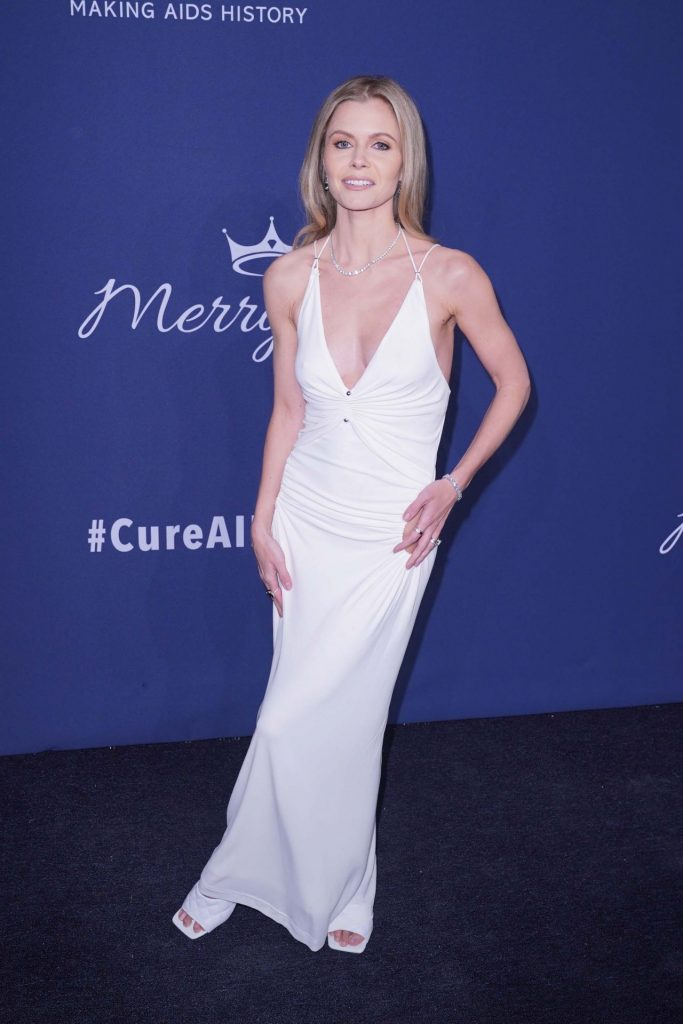 amfAR Gala 2020 Benefit For AIDS Research: Elizabeth Sultzer (3 Photos)