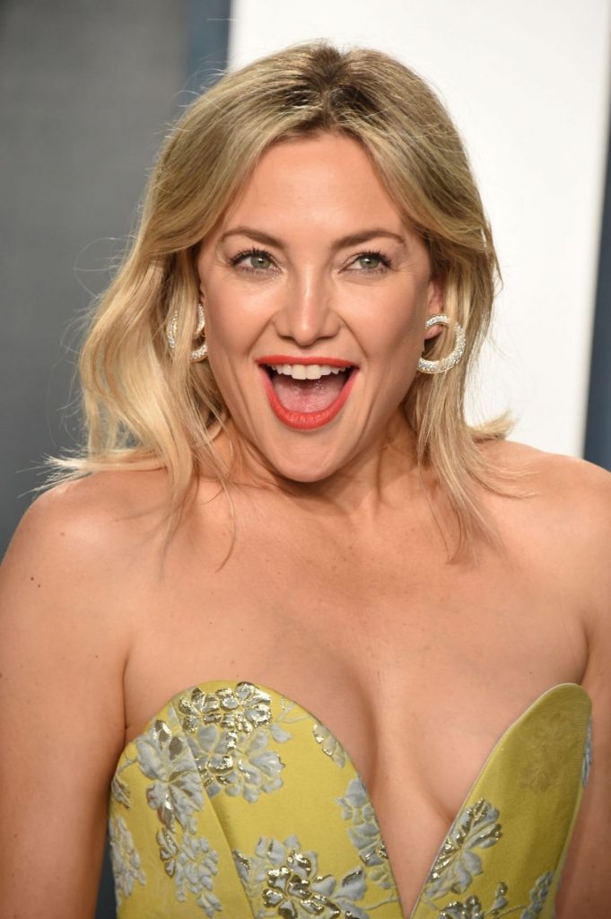 Vanity Fair Oscar Party 2020: Kate Hudson (18 Photos)