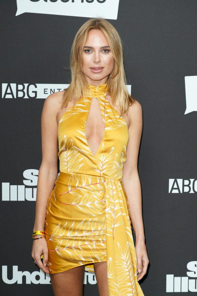 Kimberley Garner – Sports Illustrated The Party in Miami 2020 (4 Photos)