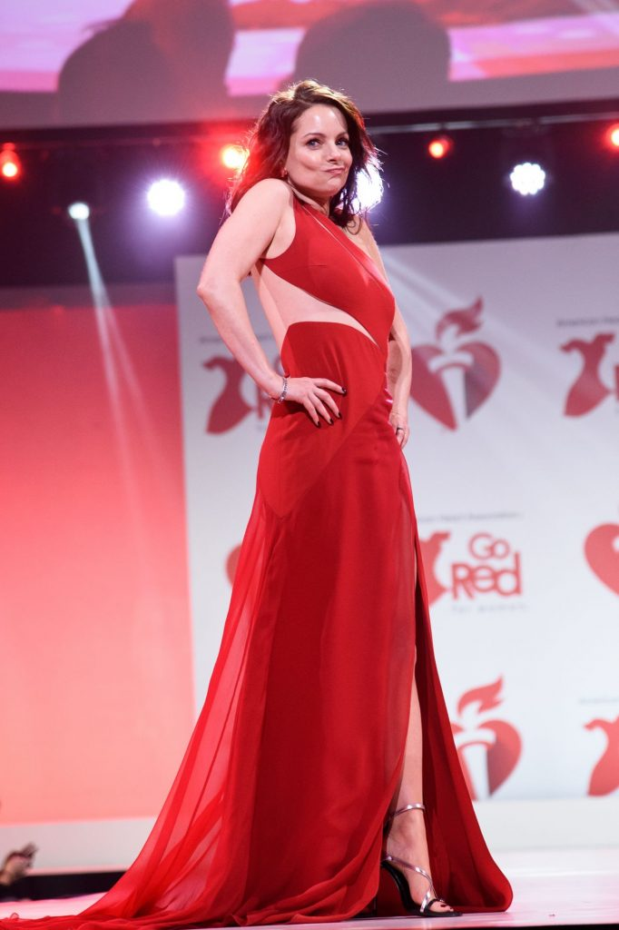 Kimberly Williams-Paisley – Go Red For Women Red Dress Collection 2020 in NYC (5 Photos)