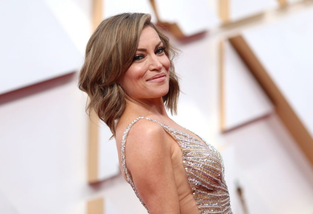 Oscars 2020 Red Carpet: Kit Hoover (3 Photos)