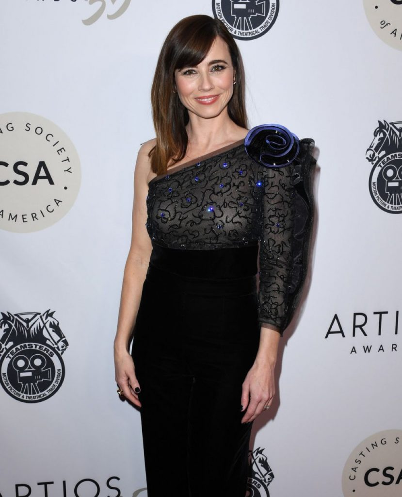 Linda Cardellini – Casting Society of America's Artios Awards 2020 (4 Photos)