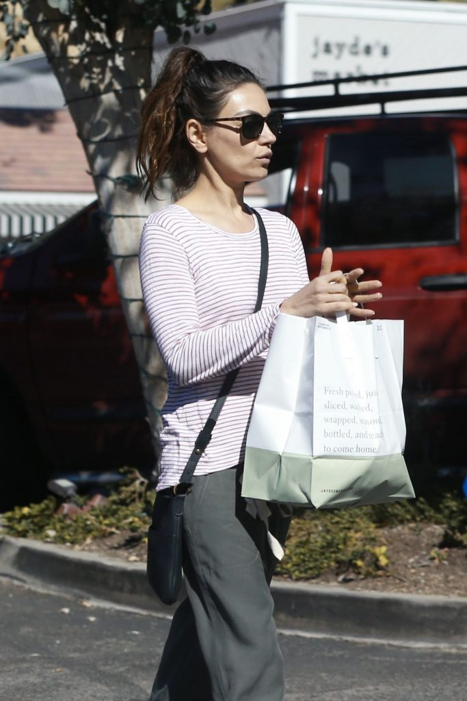 Mila Kunis – Shopping in Bel Air 2020 (7 Photos)