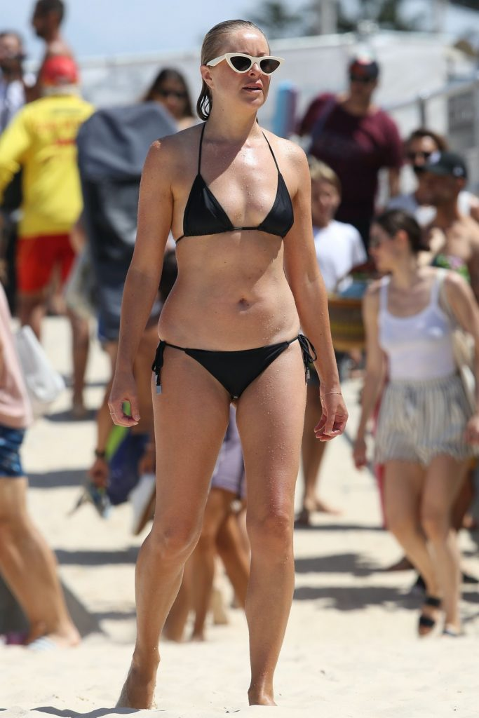 Airlie Walsh in a Bikini – Bondi Beach in Sydney 2020 (7 Photos)