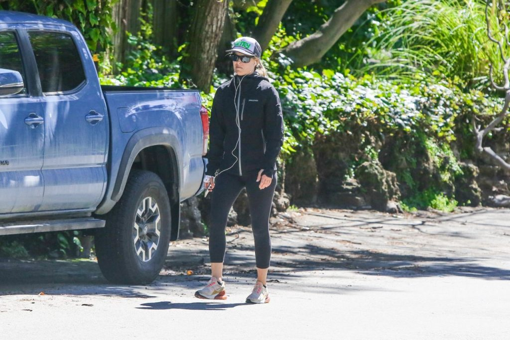 Ali Larter – Out in Pacific Palisades 2020 (10 Photos)