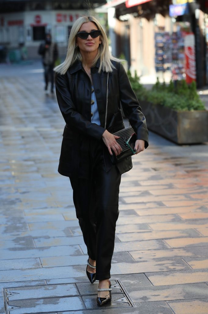 Ashley Roberts Street Style – Arrive at Global Radio in London 2020 (7 Photos)
