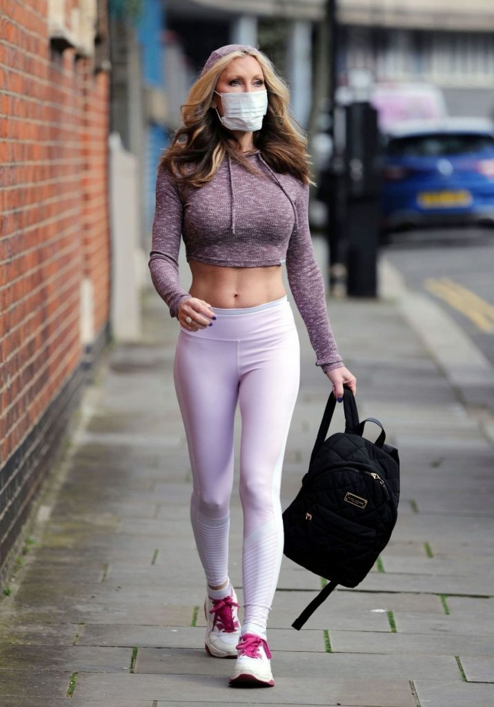 Caprice Bourret – Practicing Yoga in a Park in London 2020 (8 Photos)