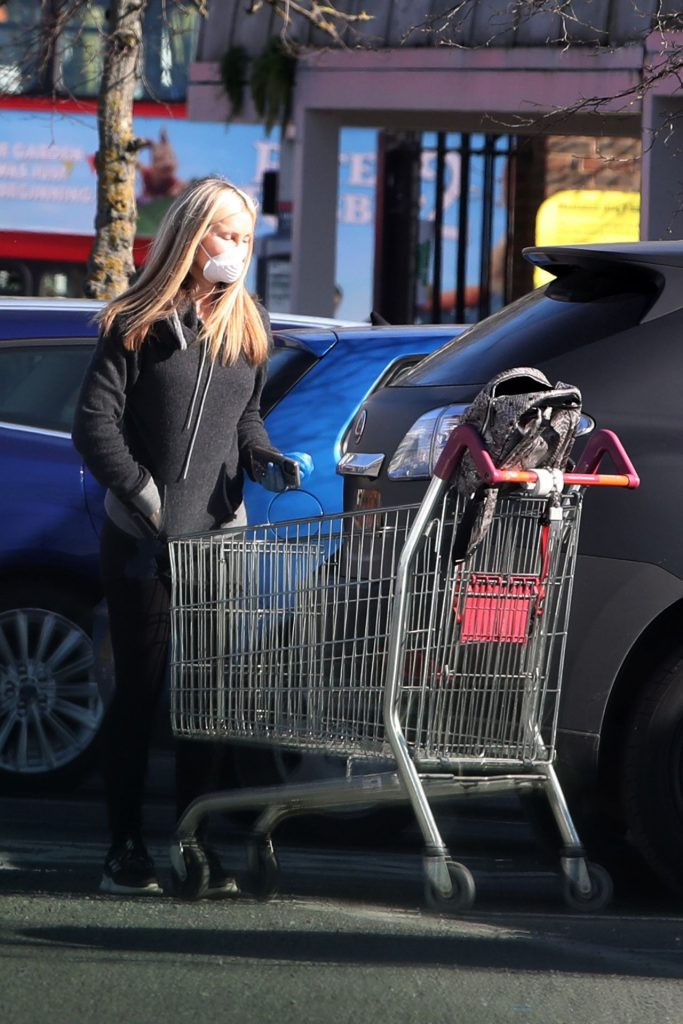 Caprice Bourret – Shops at Sainsbury's in London 2020 (13 Photos)