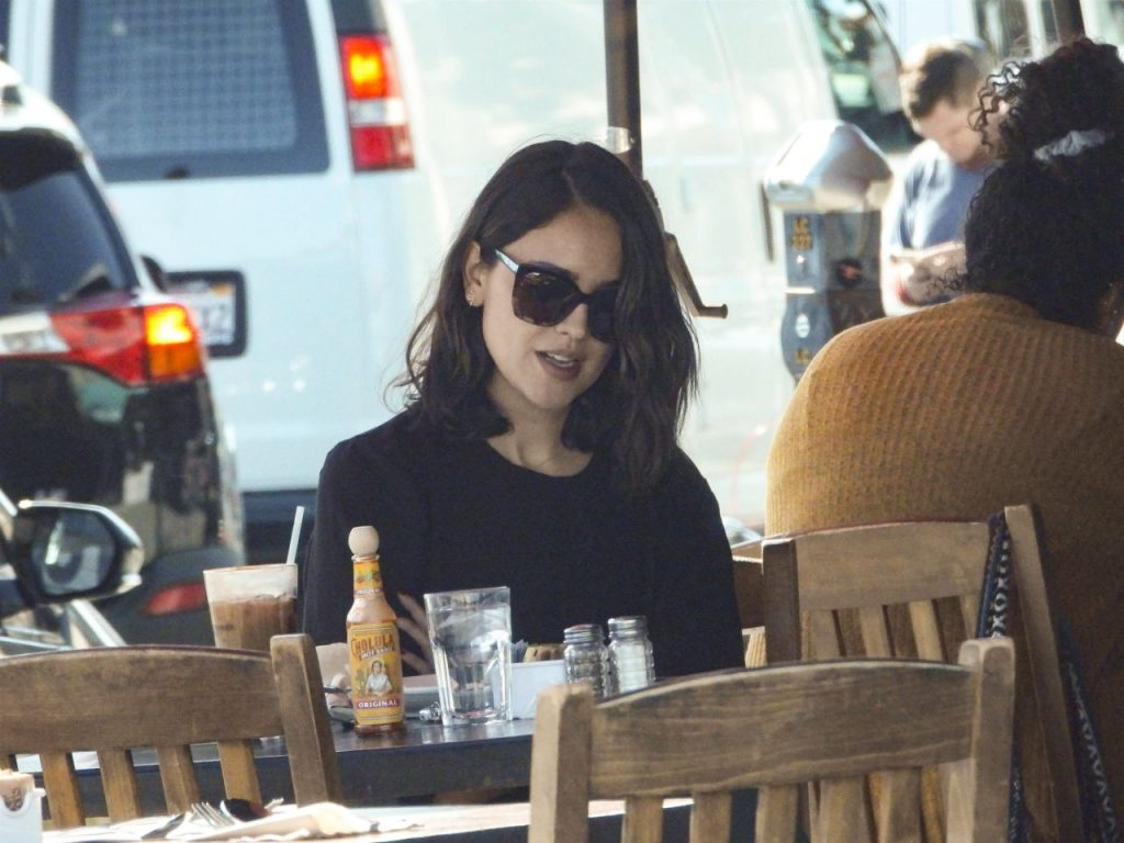 Eiza Gonzalez – Kings Road Cafe in West Hollywood 2020 (10 Photos)