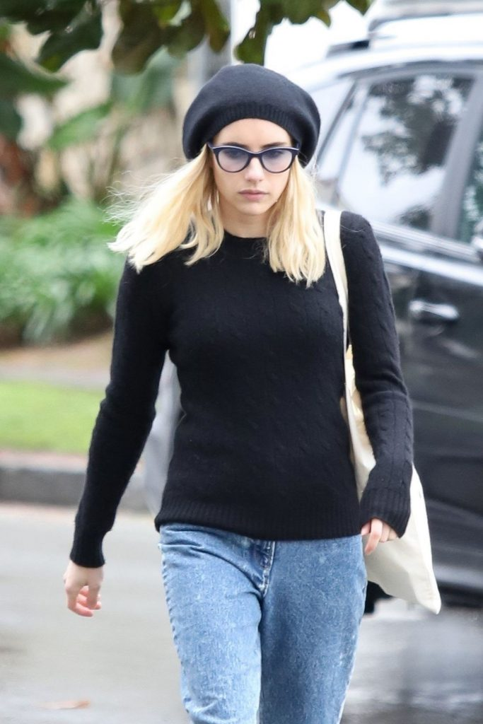 Emma Roberts – Shopping in Los Angeles 2020 (10 Photos)