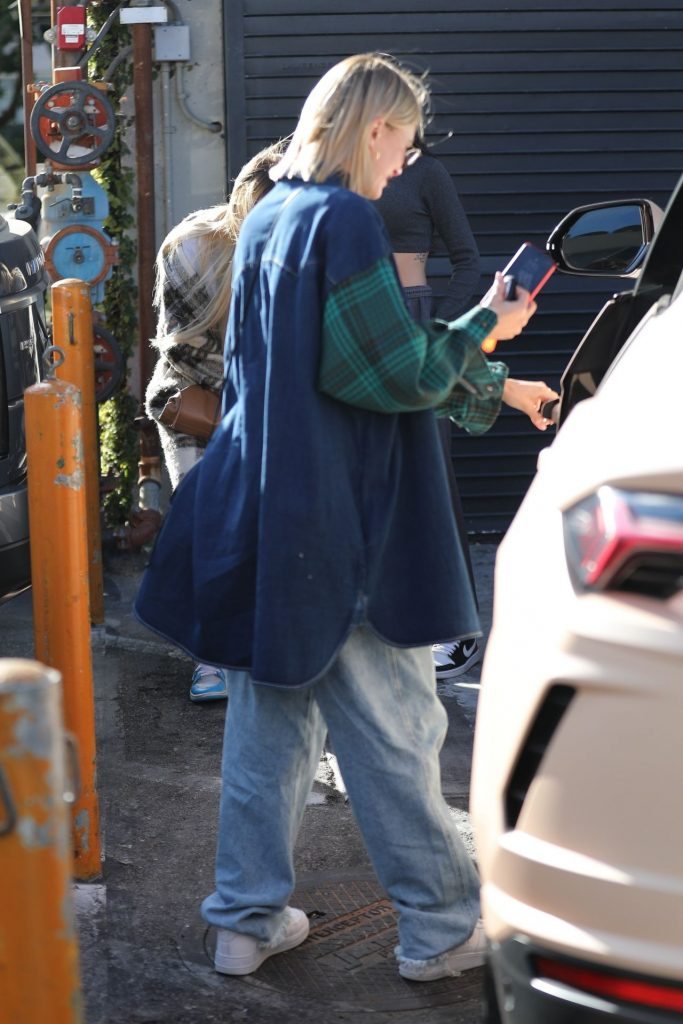 Hailey Rhode Bieber – Arriving for Lunch in Beverly Hills 2020 (10 Photos)