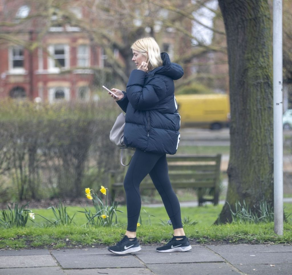 Holly Willoughby Street Style 2020 (10 Photos)