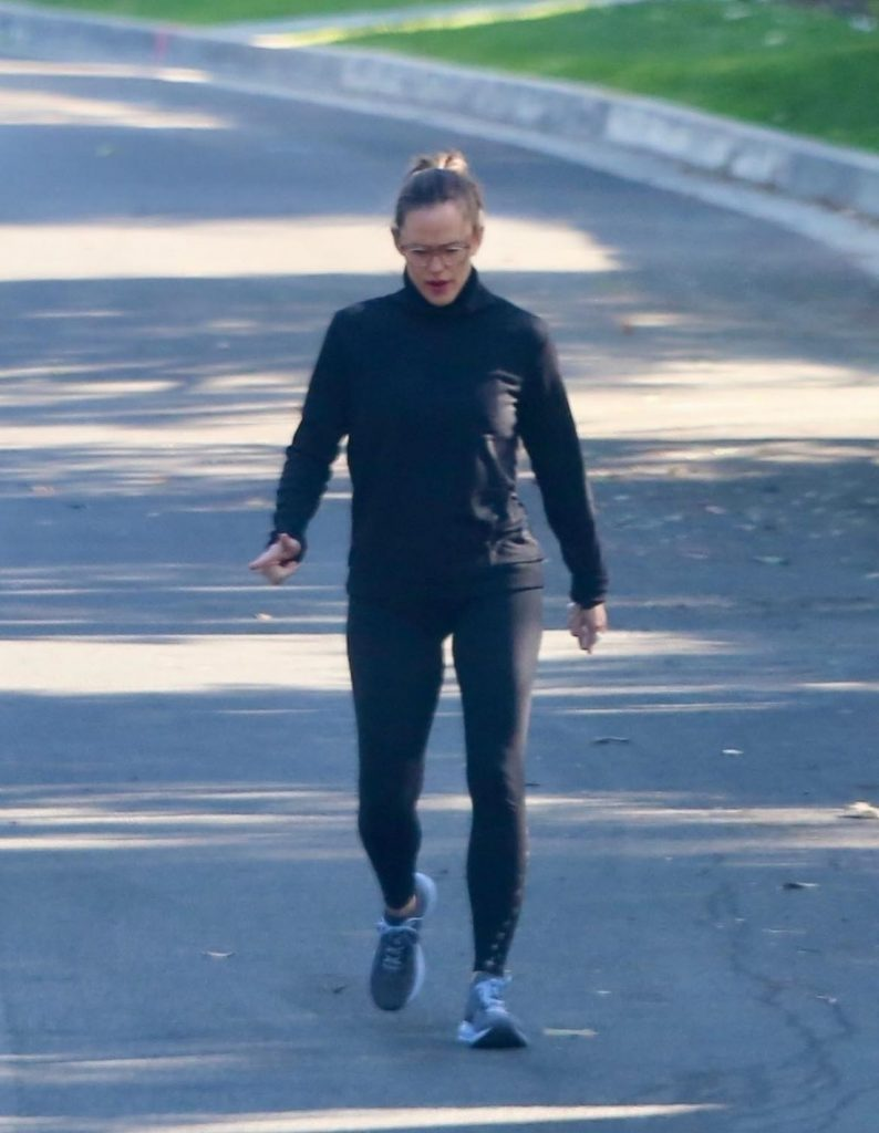 Jennifer Garner – Out in Pacific Palisades 2020 (10 Photos)