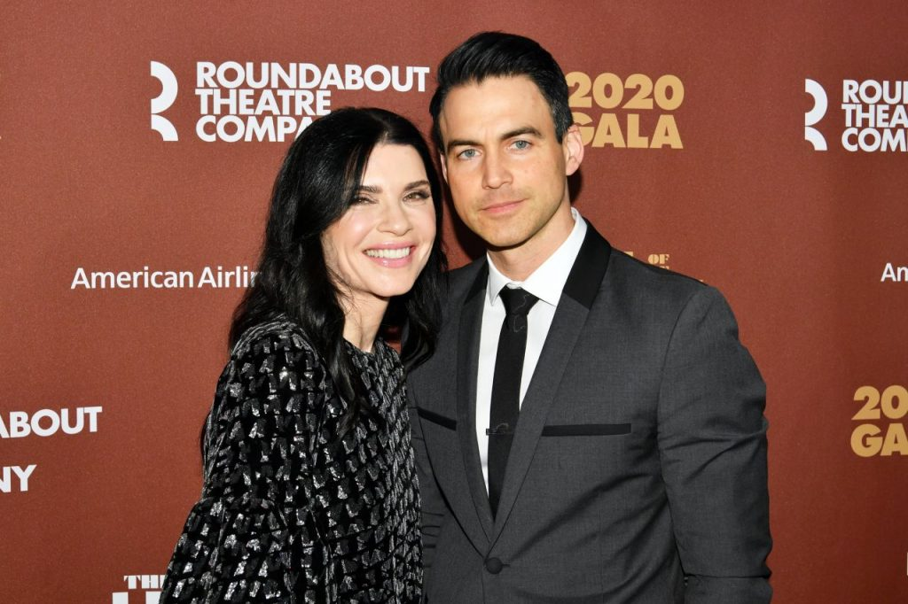 Julianna Margulies – Roundabout Theater's 2020 Gala in NYC (4 Photos)