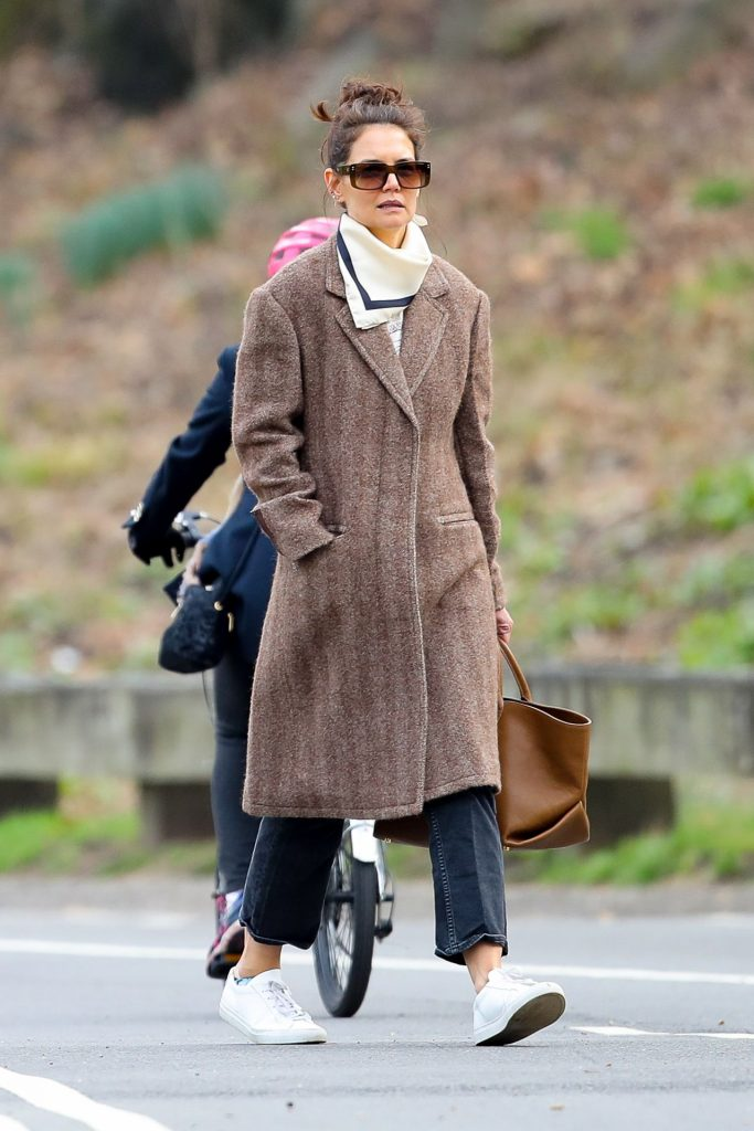 Katie Holmes – Out in Central Park in New York 2020 (4 Photos)