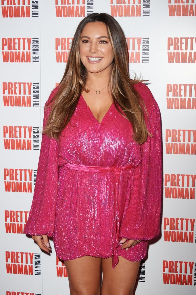 Kelly Brook: Pretty Woman The Musical Press Night in London 2020 (6 Photos)
