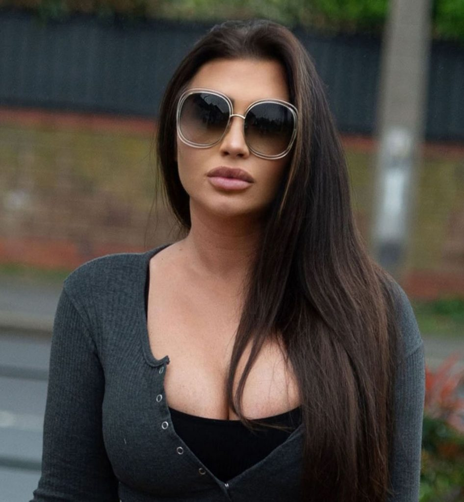 Lauren Goodger – Out in Essex 2020 (10 Photos)