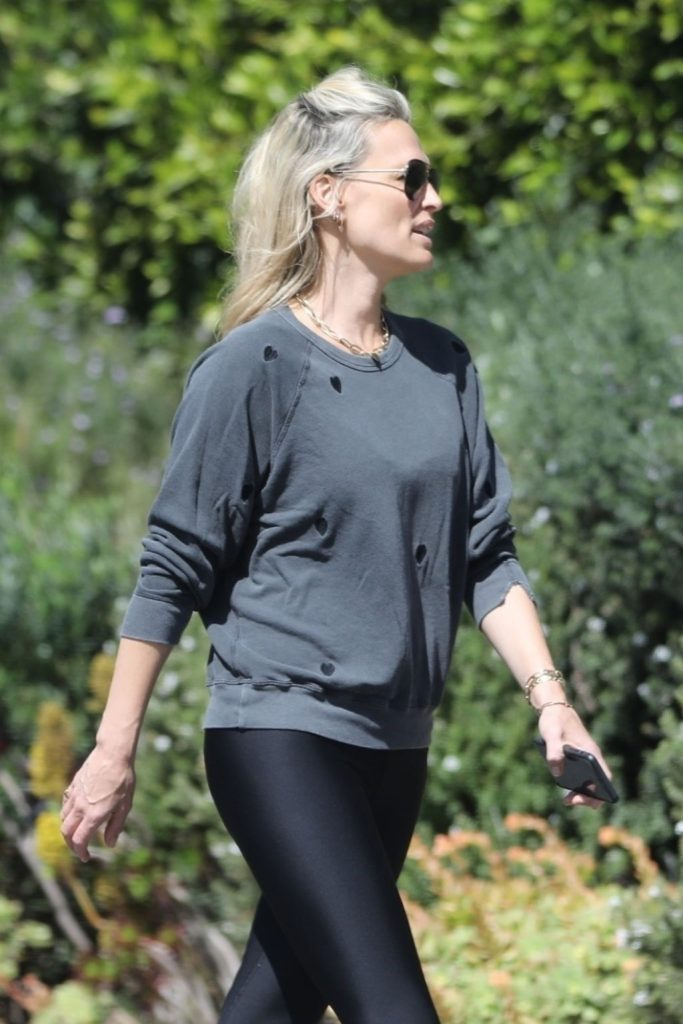 Molly Sims – Out in Brentwood 2020 (10 Photos)