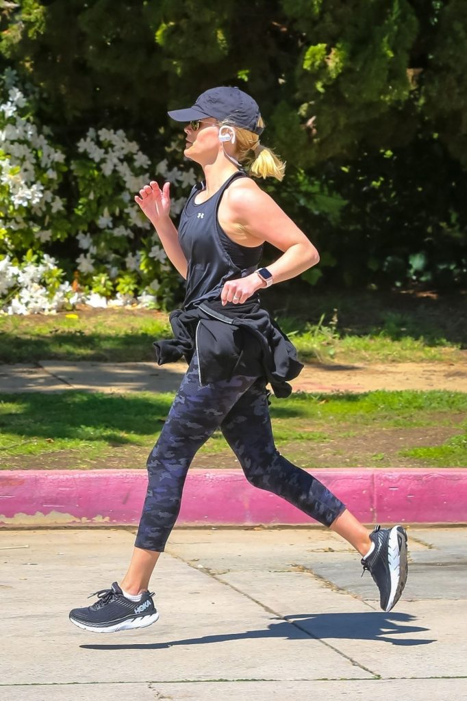 Reese Witherspoon – Jogging in Brentwood 2020 (9 Photos)