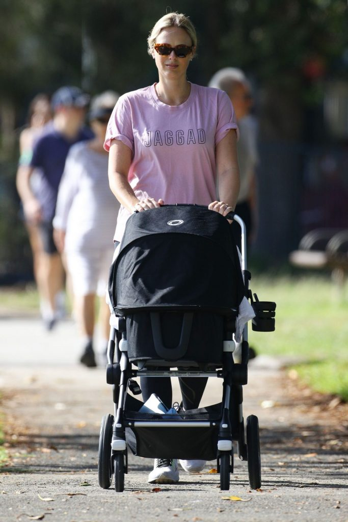 Sylvia Jeffreys – Going for a Walking in Double Bay 2020 (6 Photos)