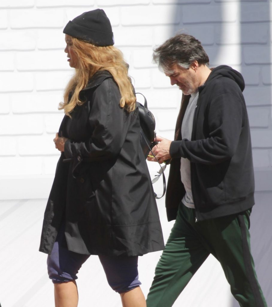 Tyra Banks – Grocery Run in Los Angeles 2020 (7 Photos)