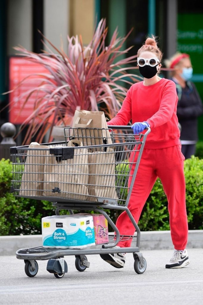Alessandra Torresani in PPE Gear – Shopping in LA 2020 (10 Photos)