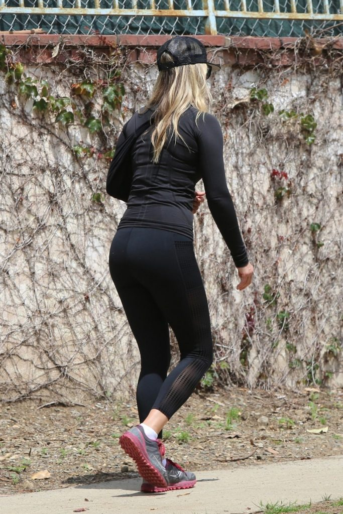 Ali Larter in All Black – Power Walk in LA 2020 (13 Photos)