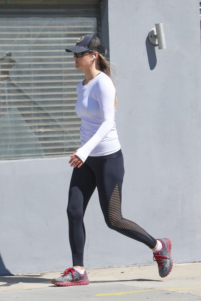 Ali Larter in Spandex – Santa Monica 2020 (10 Photos)