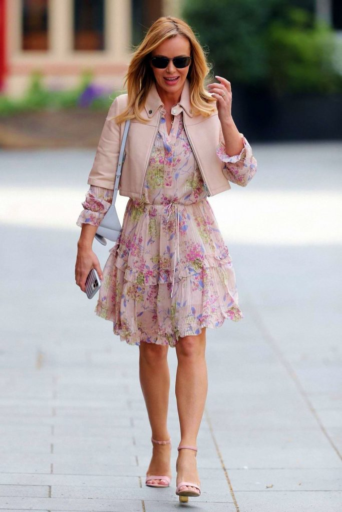 Amanda Holden Style – Leaving Heart Radio in London 2020 (7 Photos)